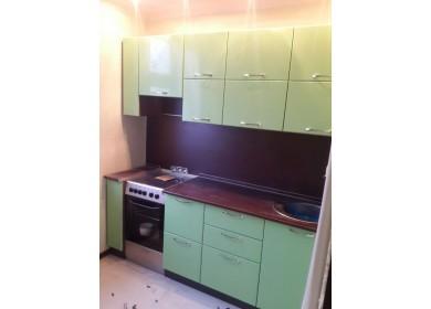 Кухня глянец в стиле хай-тек зеленого цвета