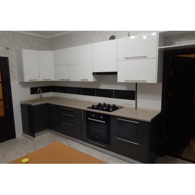 Кухня из пластика черно-белого цвета Alvik